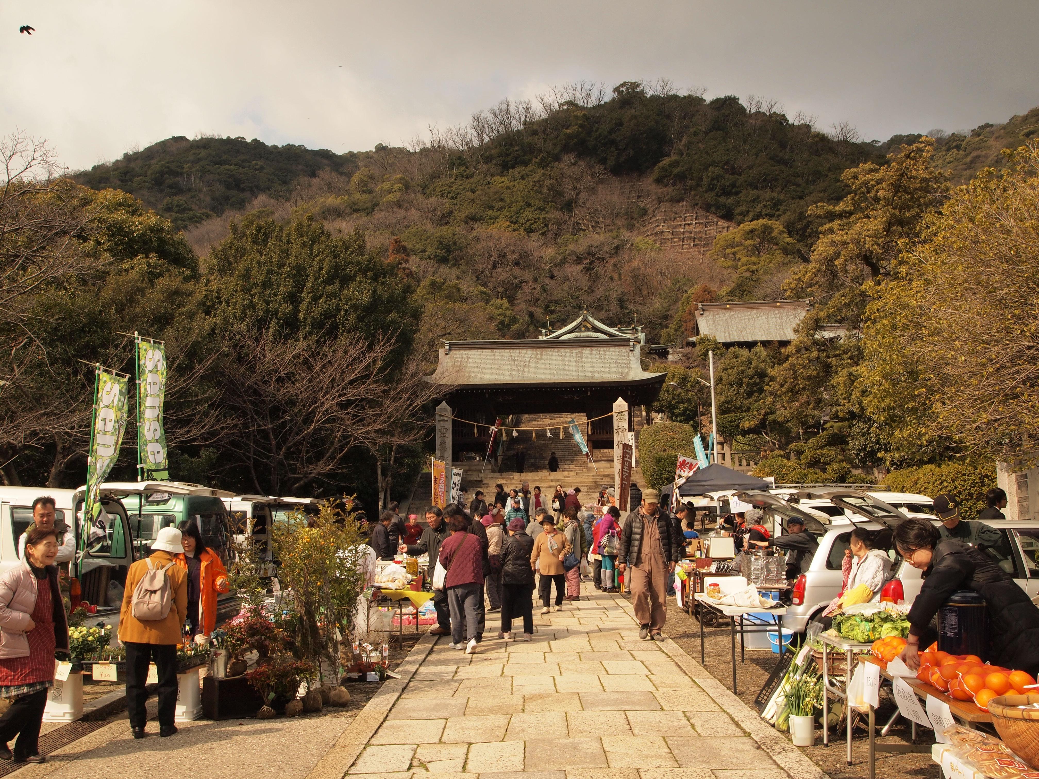【特別開催】3月1日(土)、2日(日)はひな祭り軽トラ朝市2014