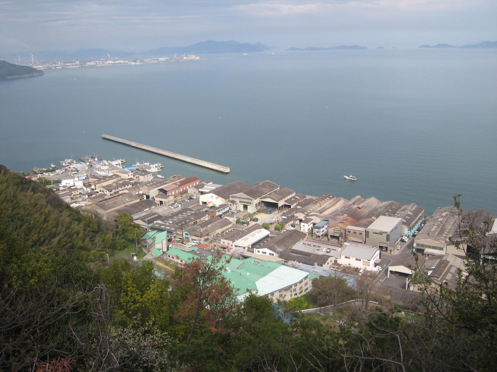 日本で一番最初に造成された工業団地「鞆鉄鋼団地」