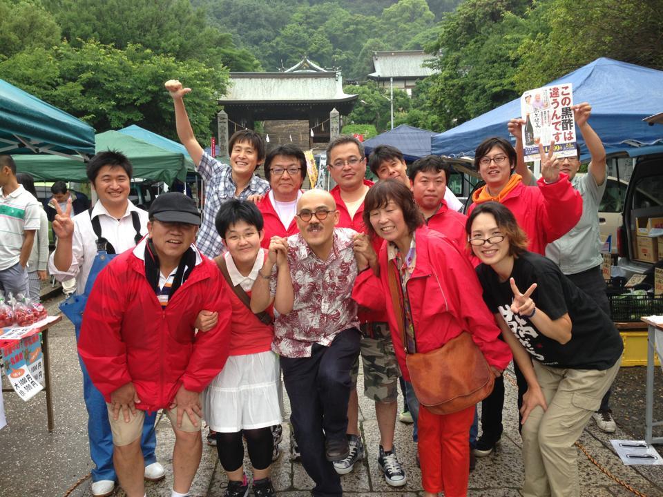 福山市鞆町で開催した「第34回とも・潮待ち軽トラ市」のレポート