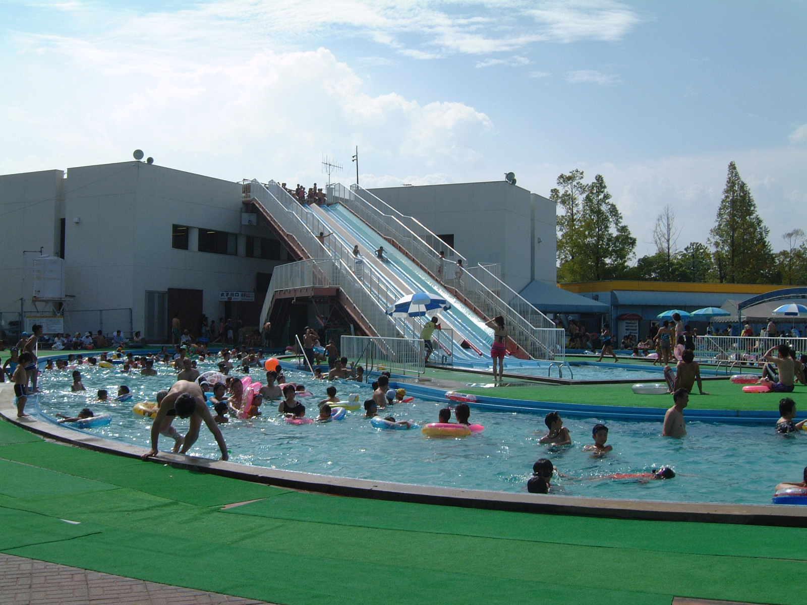 福山市メモリアルパークのプール2015年開催情報