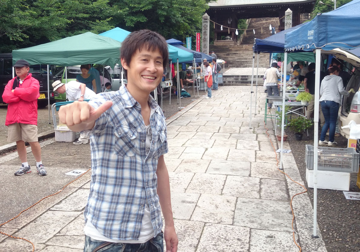 福山市鞆町にて「第35回とも・潮待ち軽トラ市」を開催。7月27日の出店者