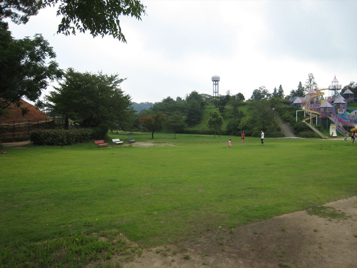 福山市の大きな公園「ファミリーパーク」