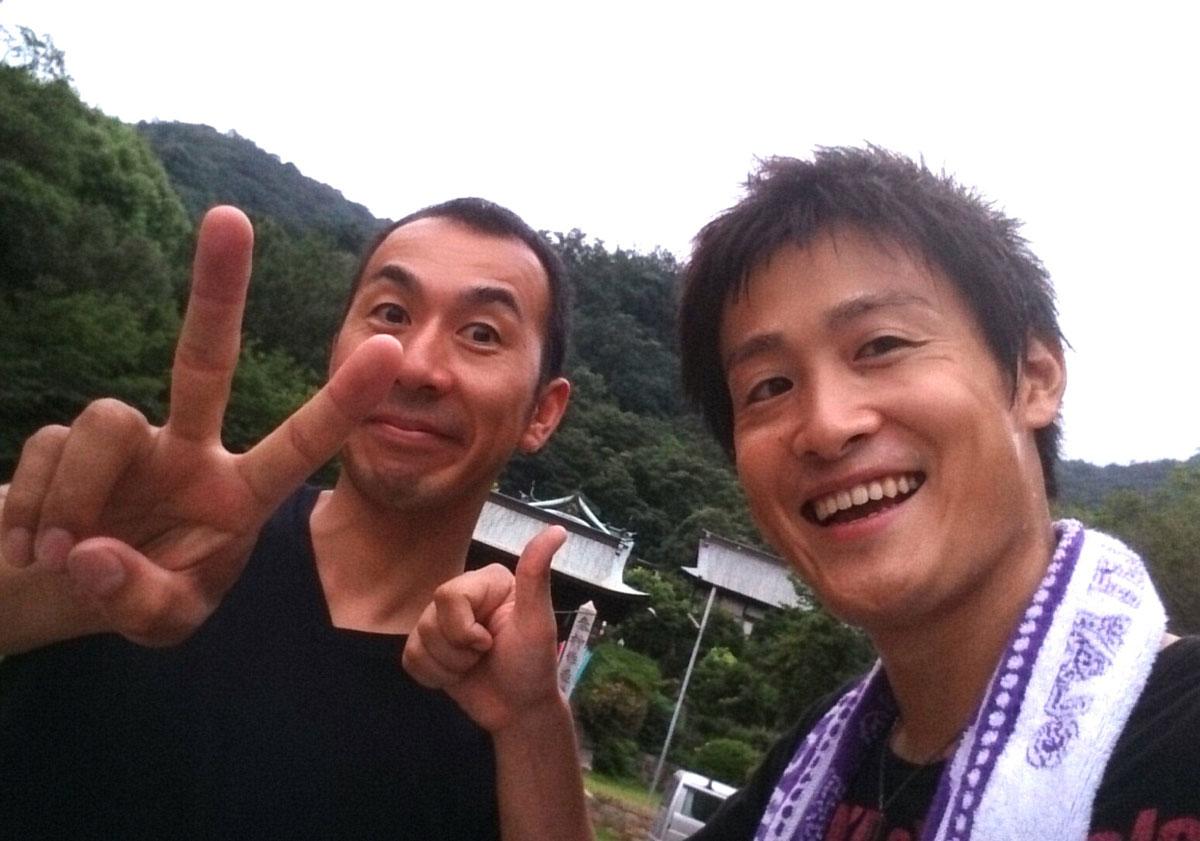 福山市鞆町にて「第36回とも・潮待ち軽トラ市」を開催。8月24日の出店者