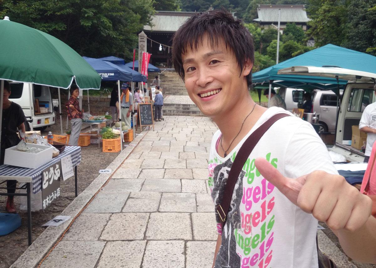 福山市鞆町にて「第37回とも・潮待ち軽トラ市」を開催。9月28日の出店者