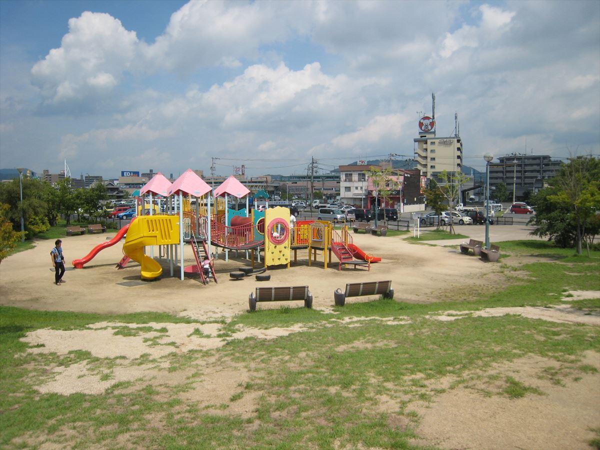 福山市の子どもが遊べる大きな公園「福山みなと公園」
