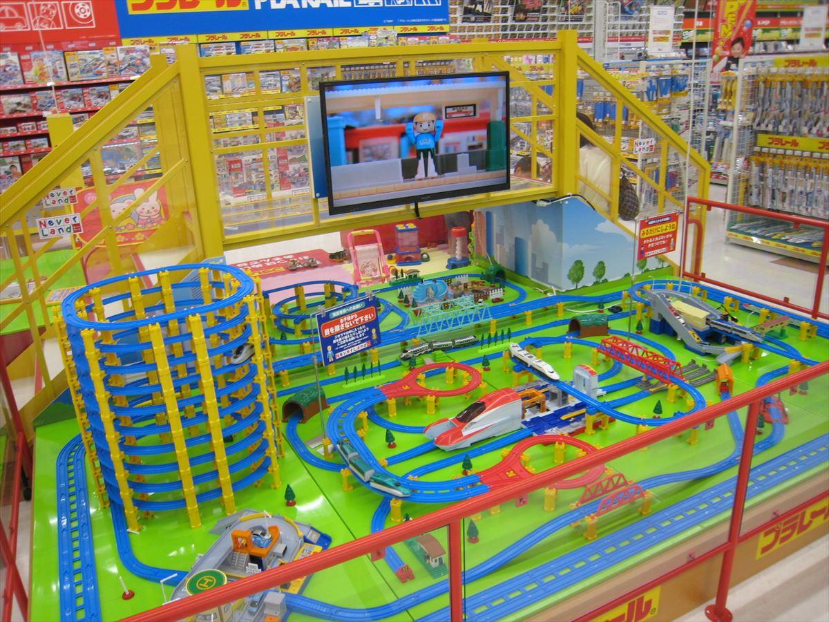 福山市で新幹線・プラレールが楽しめる「エディオン福山本店」