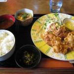 福山市水呑町でランチ・昼食「軽食喫茶シャルコのから揚げ定食」