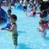 岡山県玉野市、おもちゃ王国の水深20cm巨大プール「ちゃぷちゃ」