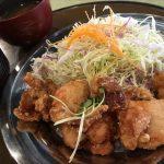福山市霞町のランチ「フジヤマドラゴン福山店」~12時15分までの注文で鶏の唐揚げ定食が500円!ごはん、味噌汁、卵、漬物が食べ放題