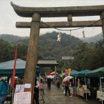 第63回とも・潮待ち軽トラ市レポート~雨ニモ負ケズ開催!沼名前神社に移ってから初めての朝からの雨