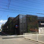 鞆で一番大きい駐車場「鞆鍛冶駐車場」の立体化工事完了!~駐車可能台数230台、屋上も利用できる2階建て構造