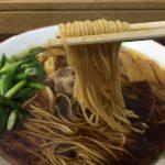 笠岡市のラーメン屋「中華そば いではら」~鶏油が浮かぶ黄金スープの王道笠岡ラーメン
