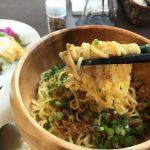 鞆の浦ちりめんグルメ#7「鞆 汁なし坦々麺」~麻辣椒(マーラージャオ)の痺れる辛さがクセになる!水呑カフェボヌー