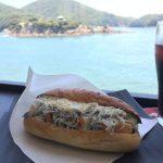 【カフェ】鞆の浦ちりめんグルメ「#5 鯛ちくわ入りしらすドッグ」~釜揚げしらす、鯛ちくわ、たっぷり絶品タルタル